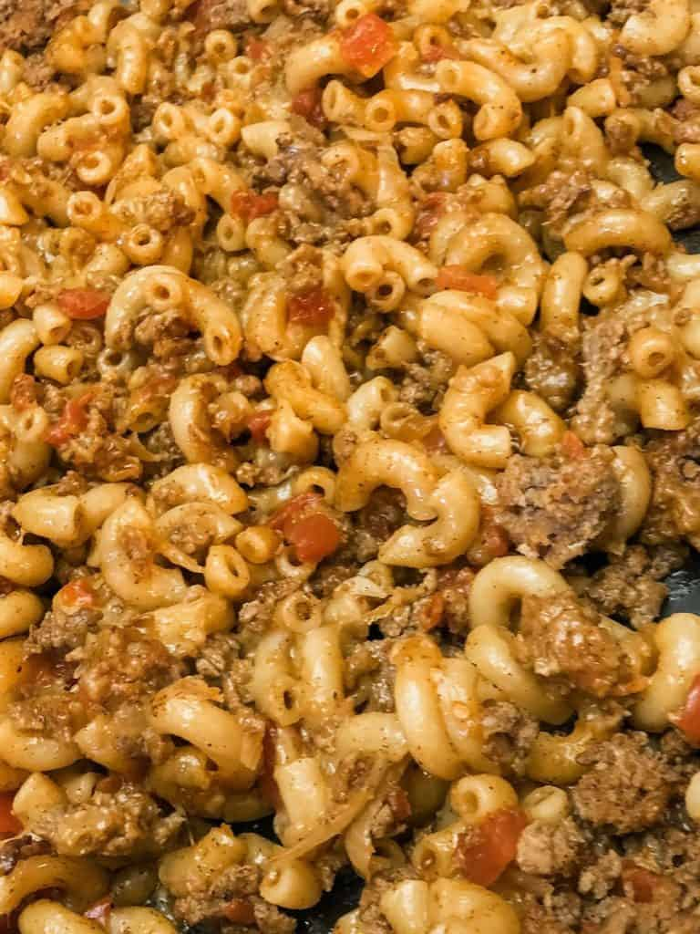 macaroni noodles, ground beef, tomatoes