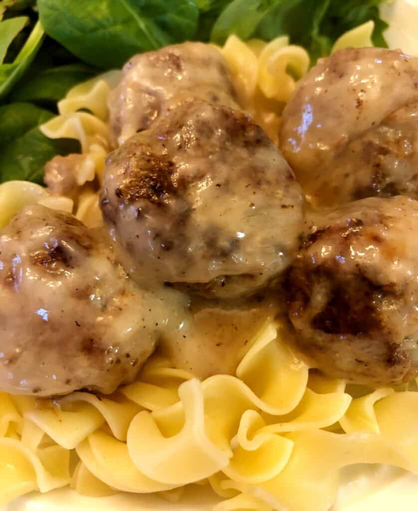 swedish meatball with egg noodles