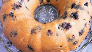 lemon blueberry bundt cake 4
