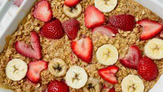strawberry banana oatmeal bake