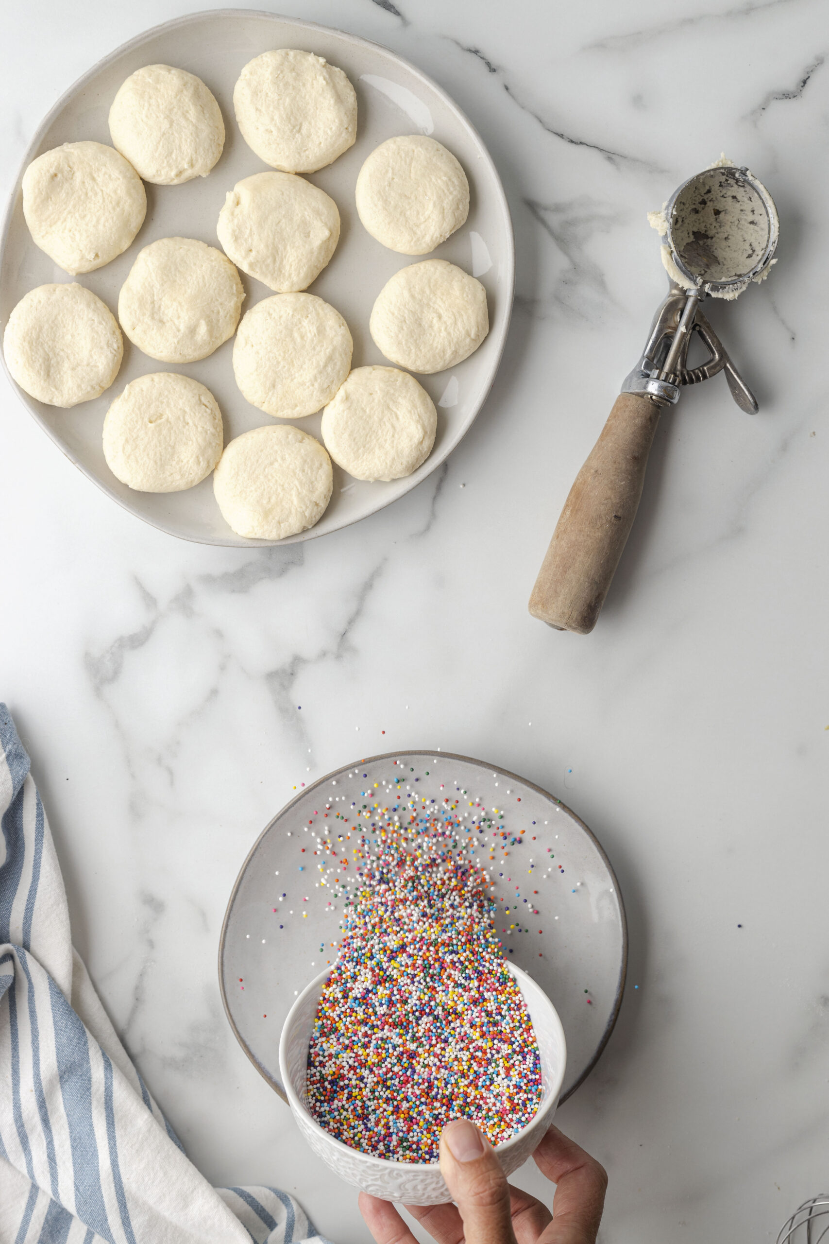 Sprinkle Cookies - This Farm Girl Cooks
