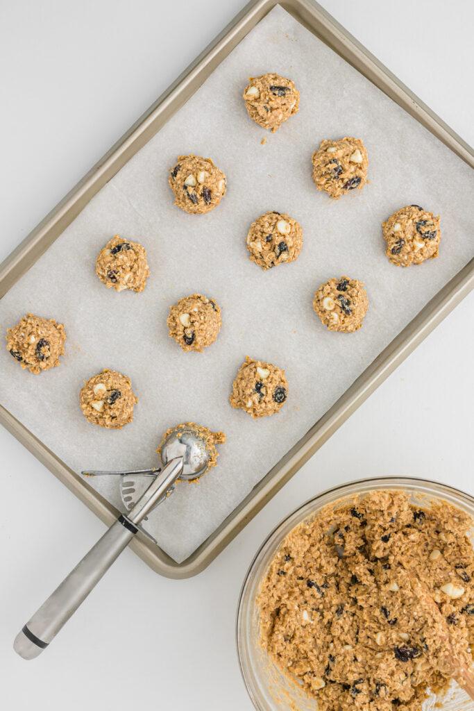 pumpkin spice oatmeal cookies scooped